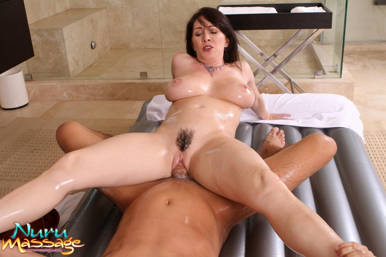 Rayveness Massage