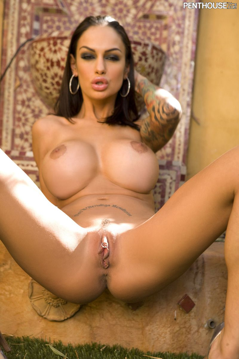Country girl nikki daniels goes hogwild on her clit 6